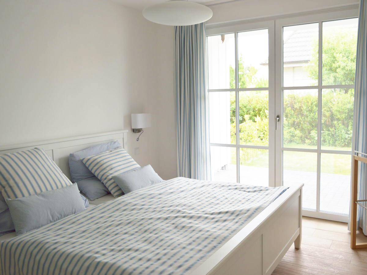 Streifenfisch – Schlafzimmer Doppelbett